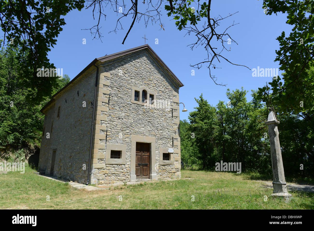 Oratorio de Prevedelli on the Path of Matilda of Canossa walks Reggio Emilia hills in the Italian region Emilia - Stock Image