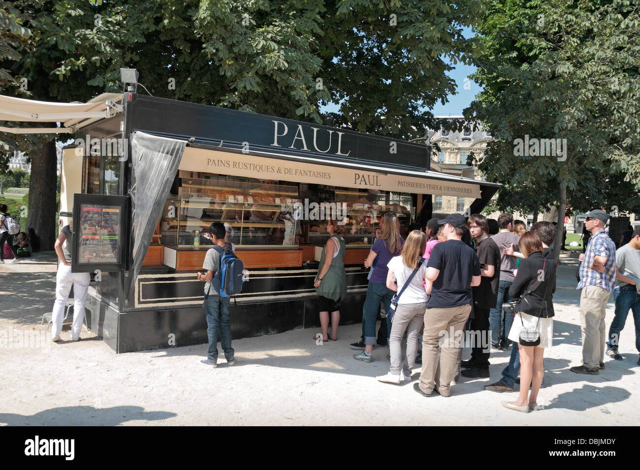 A mobile 'Paul' boulangerie and pâtisserie (bakery and pastry) in Place du Carrousel, Paris, France. - Stock Image
