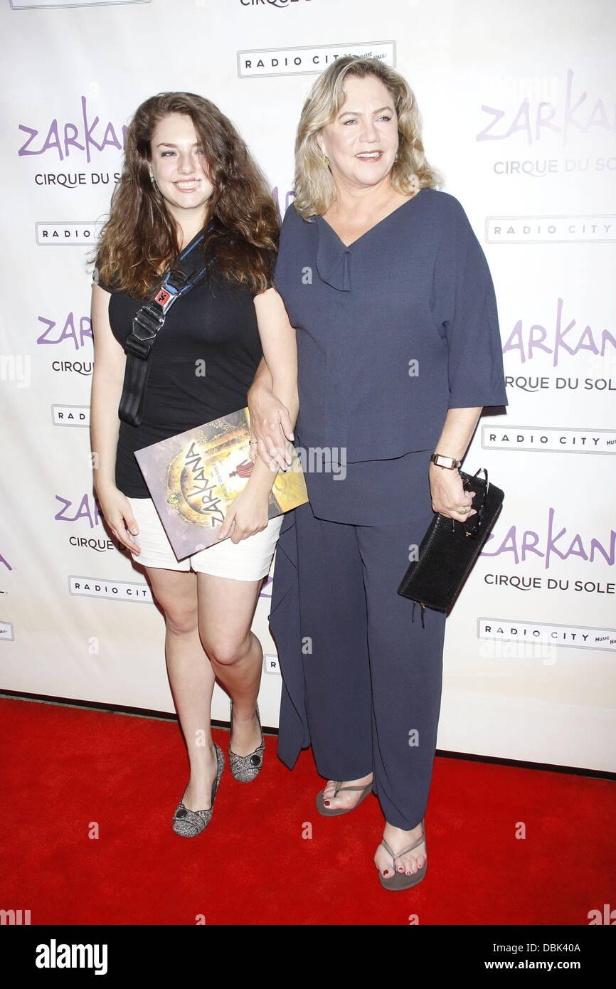 Rachel Ann Weiss.Rachel Ann Weiss And Kathleen Turner World Premiere Of