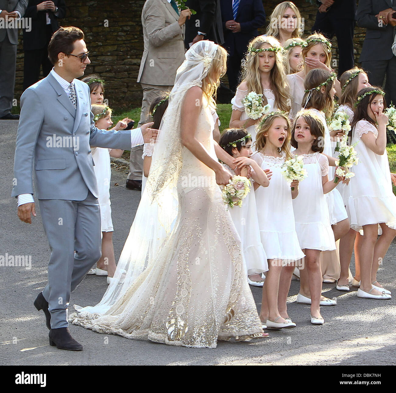 Kate Moss Wedding.Kate Moss And Jamie Hince Kate Moss Wedding Day In The Cotswolds