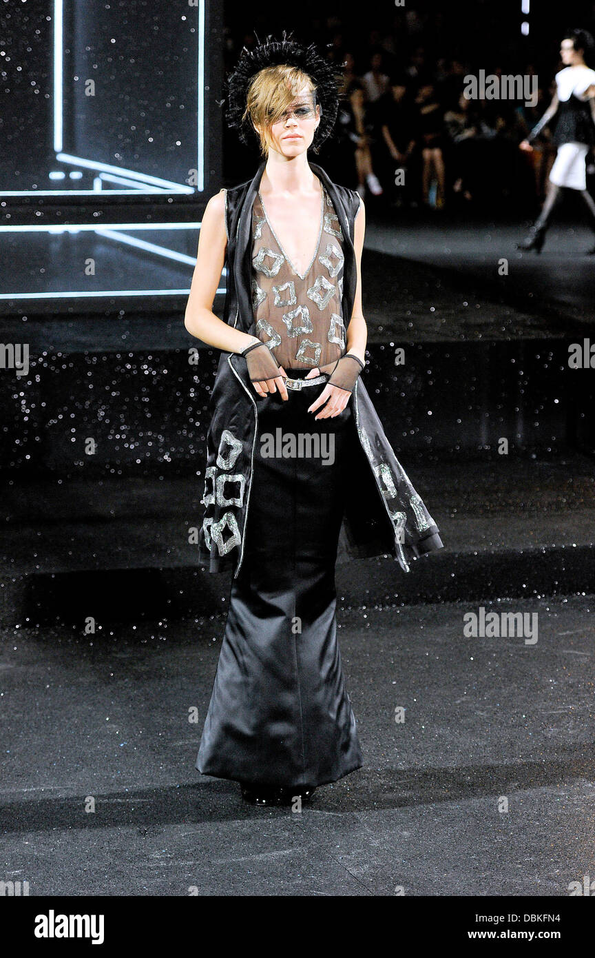 Model Paris Fashion Week Creations By German Designer Karl Stock Photo Alamy
