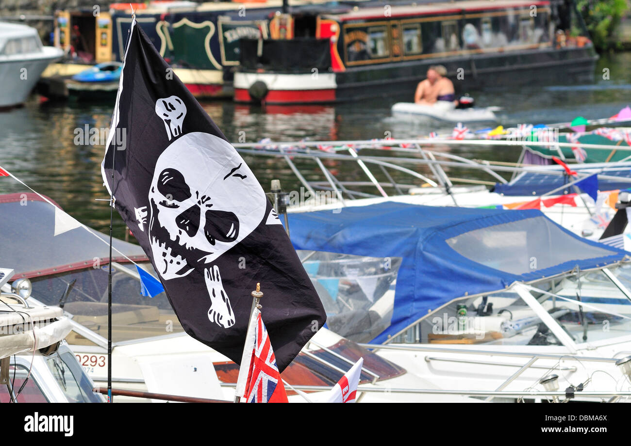 Maidstone, Kent, England, UK. Annual Maidstone River Festival (July 27th 2013) Jolly Roger / Skull and Crossbones Stock Photo