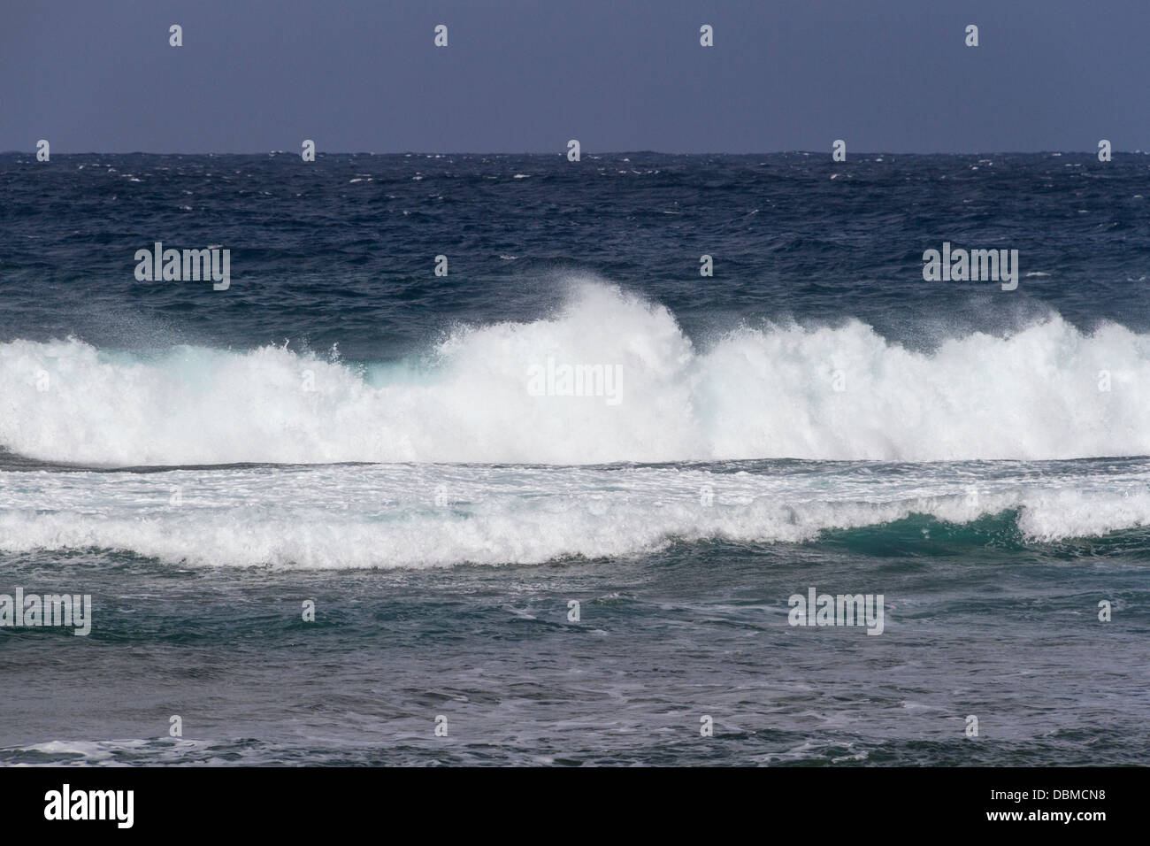 Wind and crashing waves on west coast of the island of Maui in Hawaii. - Stock Image