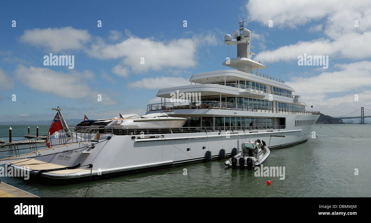 Musashi Yacht owned by Oracle's Larry Ellison docked in San Francisco Bay - Stock Image