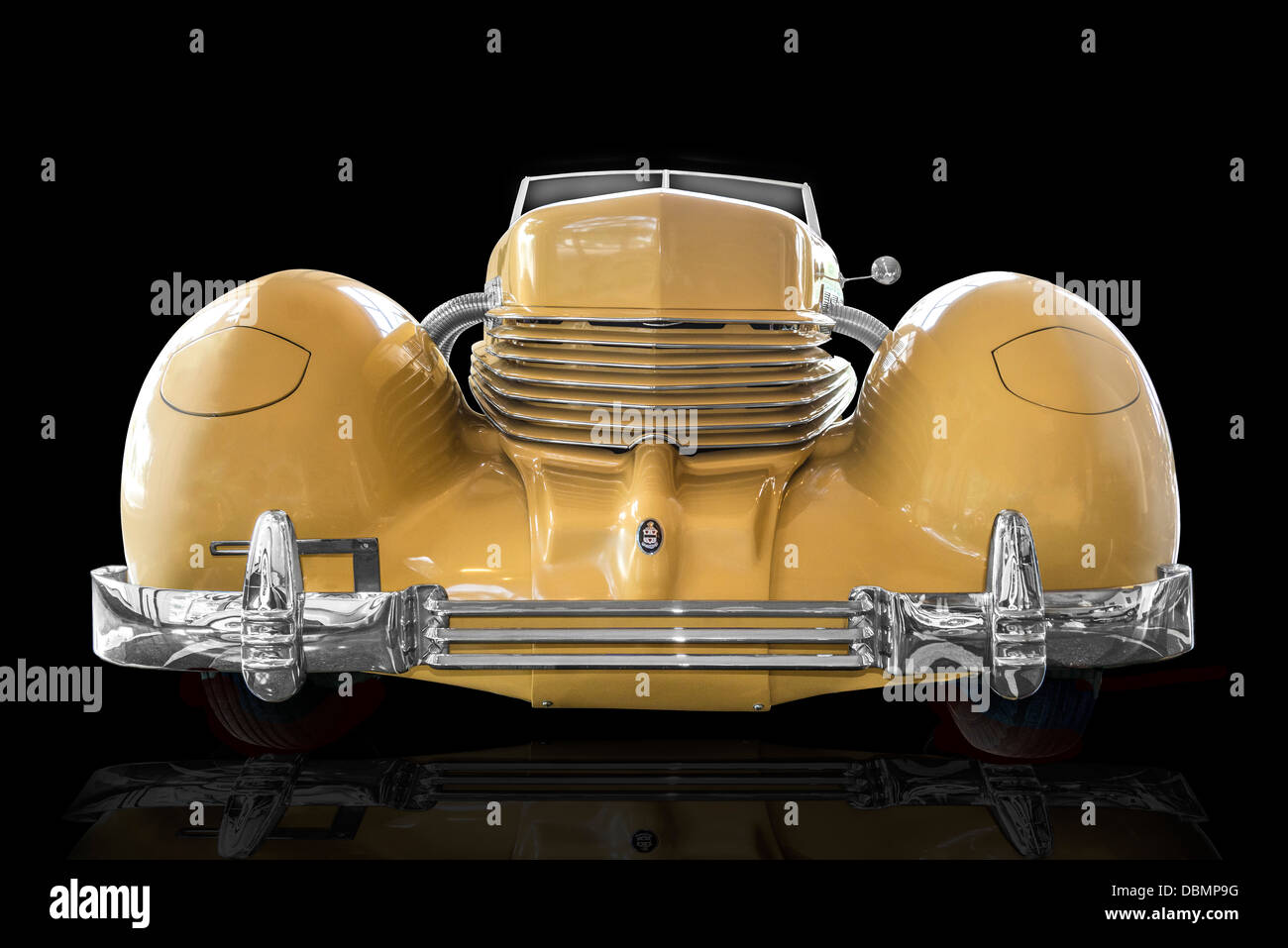 A head on view of a 1937 Cord Sportsman SC at the Auburn Cord Duesenberg Museum in Auburn Indiana - Stock Image