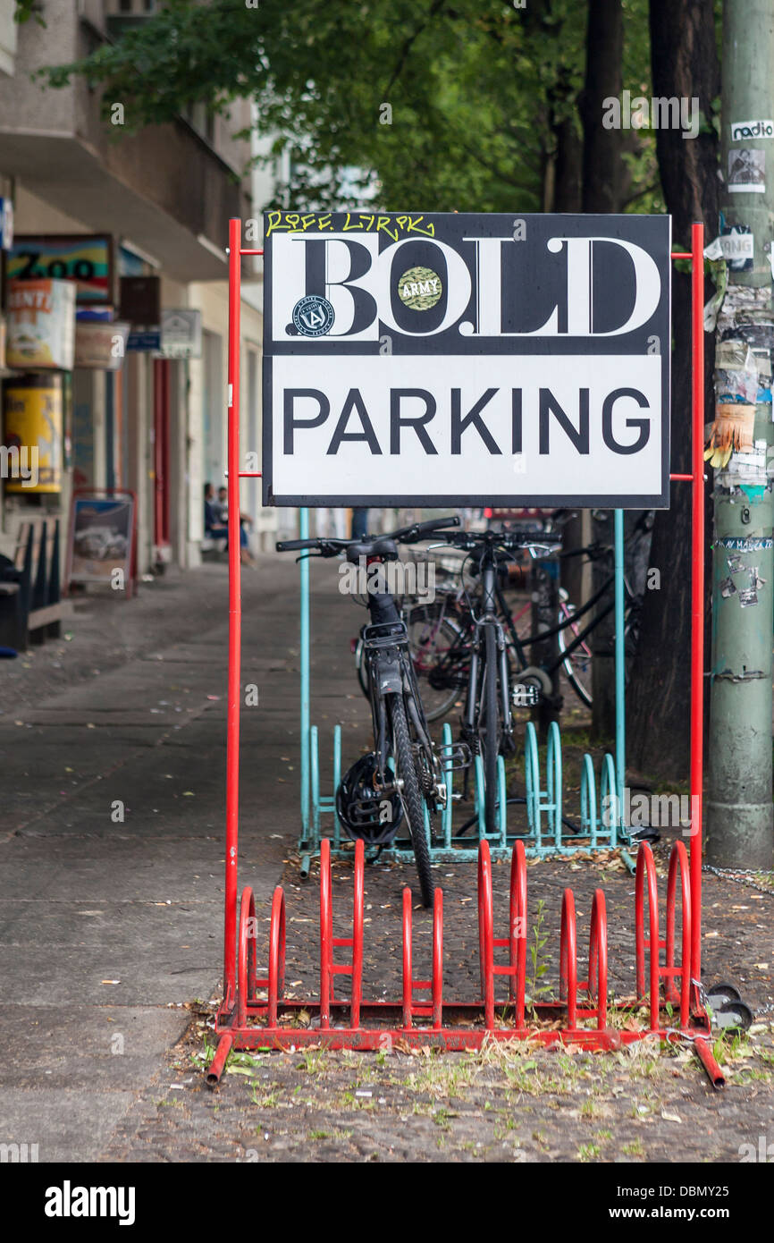 Cycle stand for BOLD, a creative PR agency in Torstarsse  - Mitte, Berlin - Stock Image