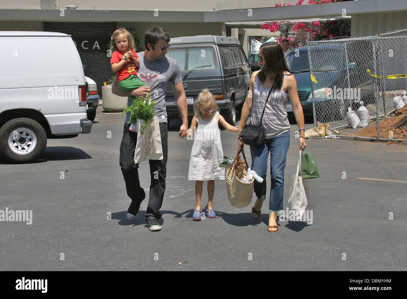 Ben Affleck and Jennifer Garner go to the farmers market with their daughters Violet and Seraphina Los Angeles, - Stock Image