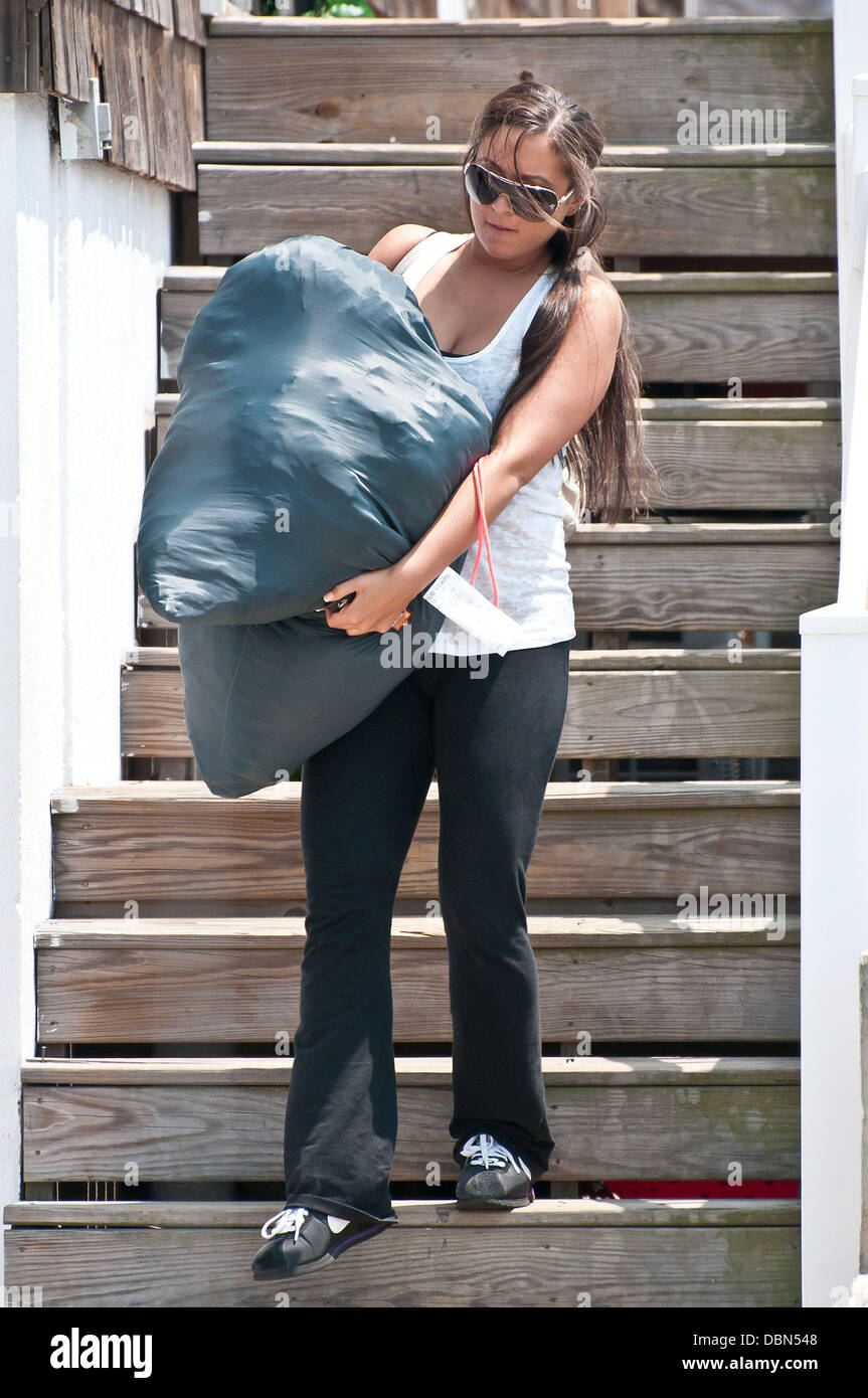Sammi Giancola leaves the Jersey Shore house with the dirty ...