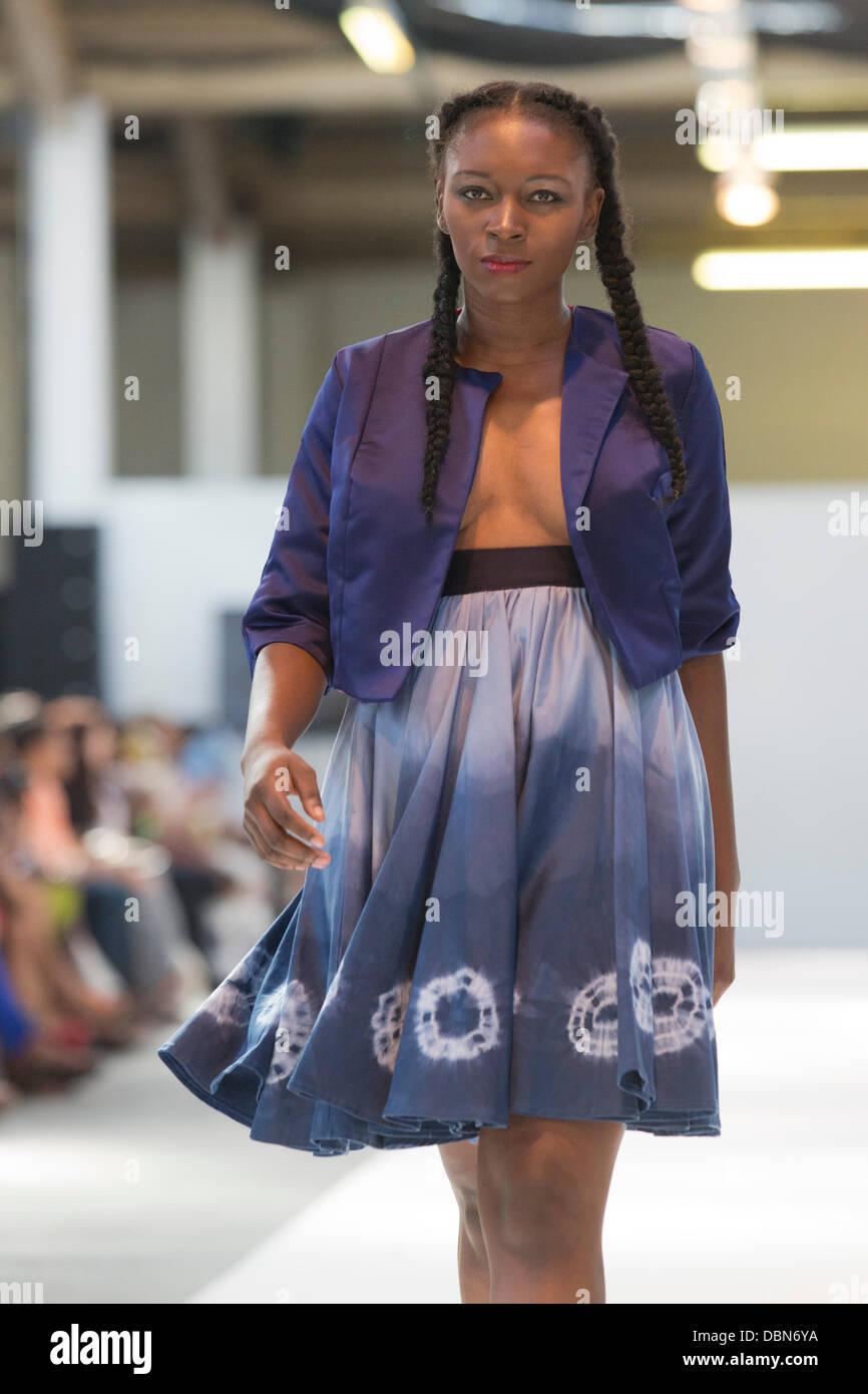 London Uk 1 August 2013 Model On The Catwalk For Designer Stock Photo Alamy