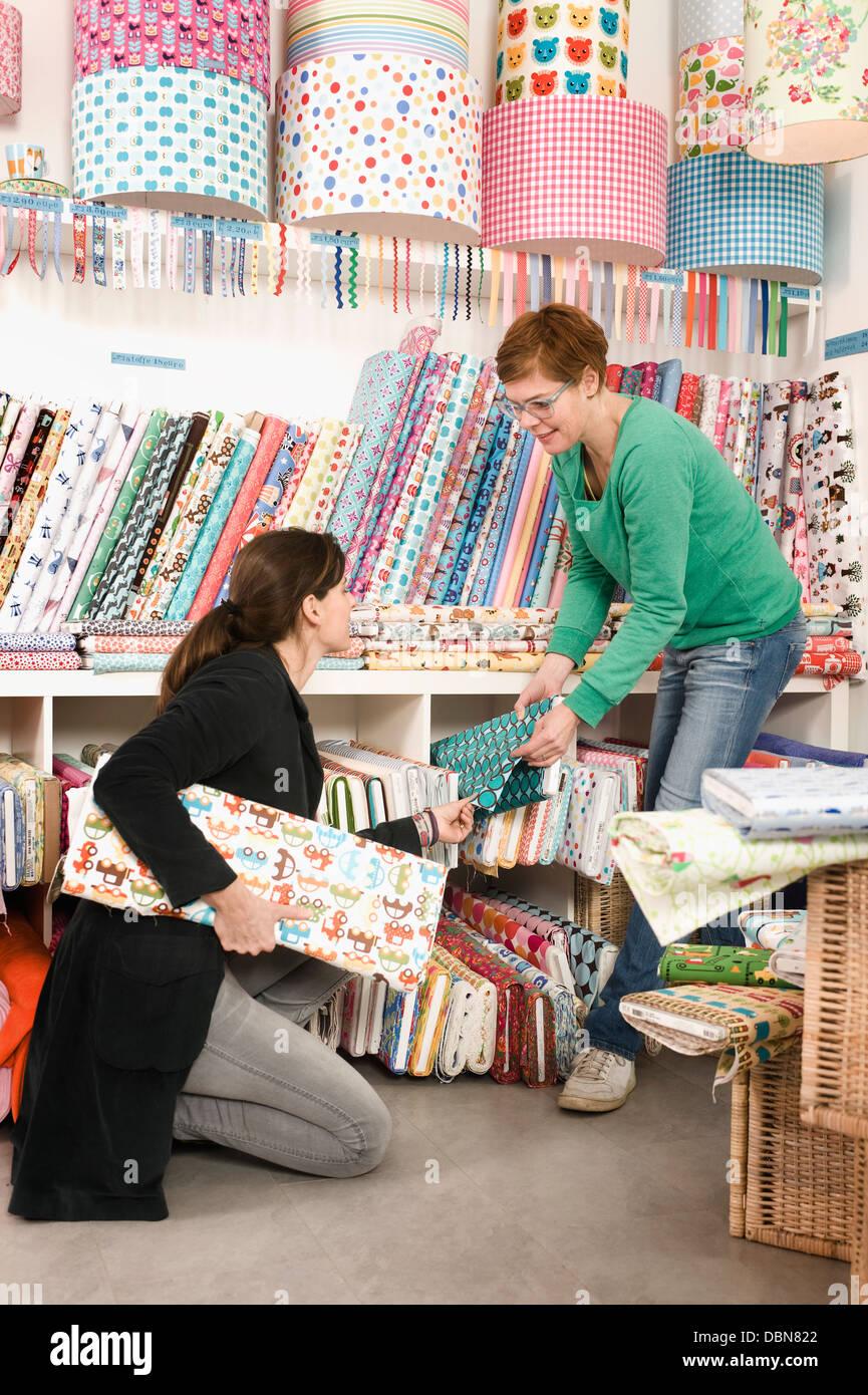 Fabric Shop Stock Photos & Fabric Shop Stock Images - Alamy