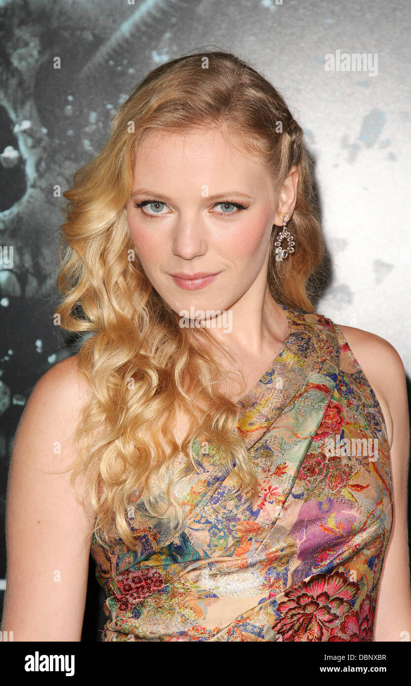 Emma Bell The LA Premiere of 'Final Destination 5' held at Grauman's Chinese Theatre Hollywood, California - Stock Image
