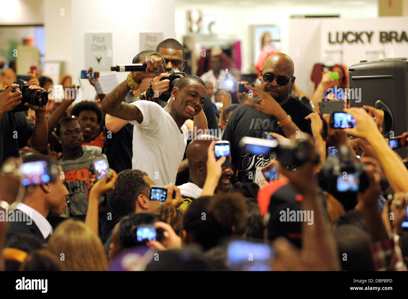 3bec6dd13 Soulja Boy performs during the Kick-off of the Macy s  mstyle lab  concert  tour at Macy s in Ft Lauderdale