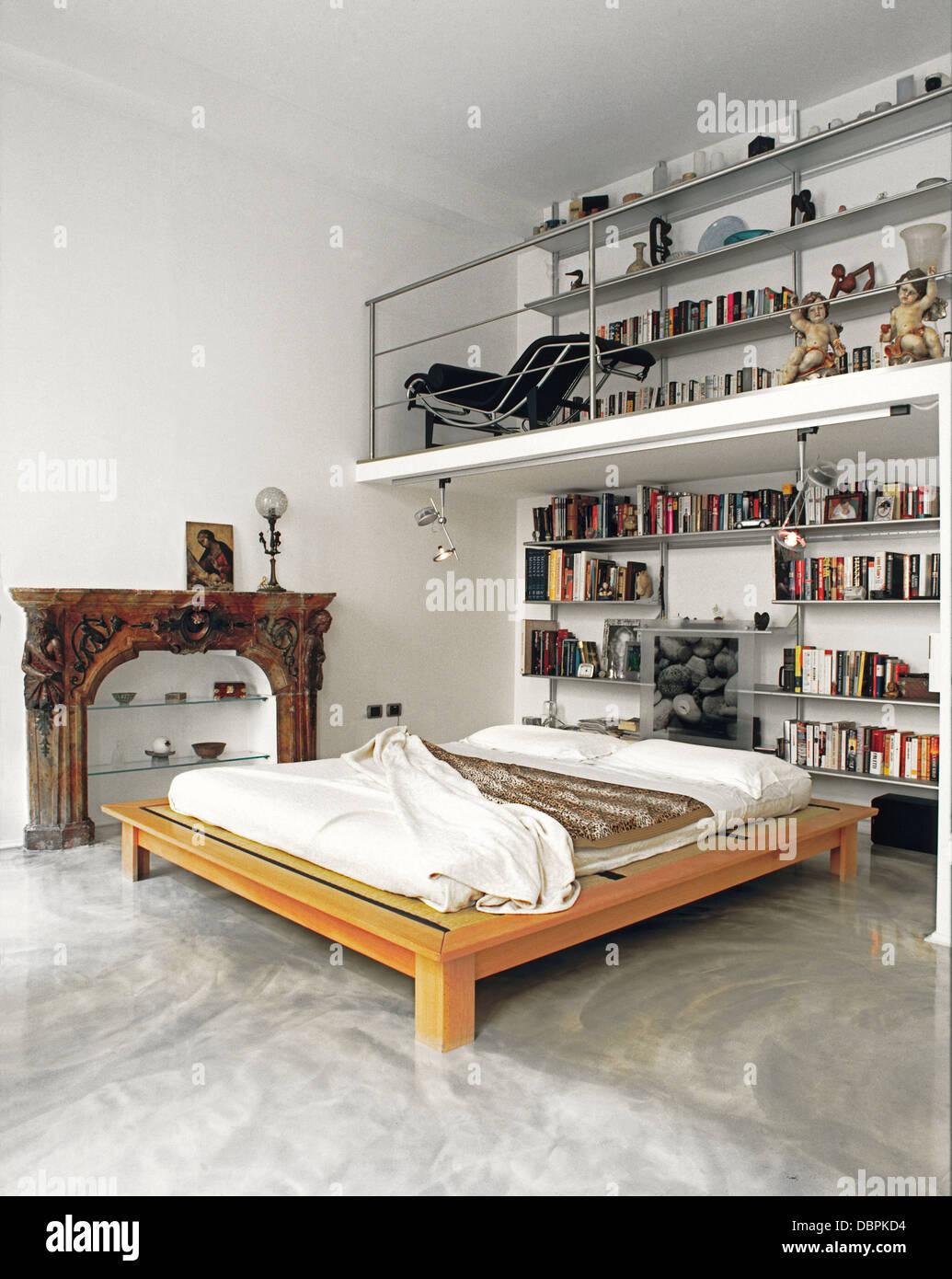 Mezzanine bedroom stock photos mezzanine bedroom stock for How to build a mezzanine floor for bedroom