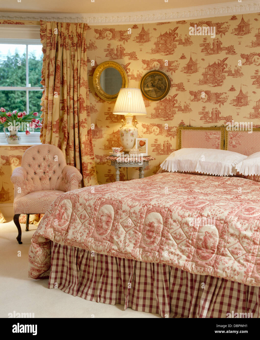 Pink Toile De Jouy Curtains And Matching Wallpaper In Townhouse