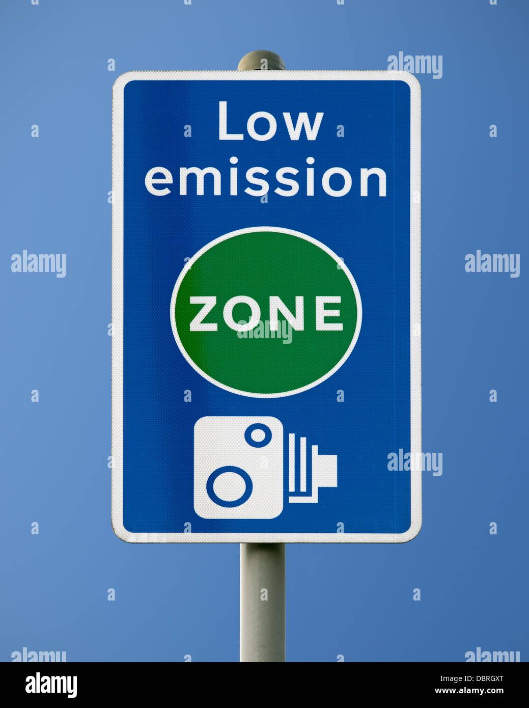 Low Emission Zone Sign, London, UK. - Stock Image