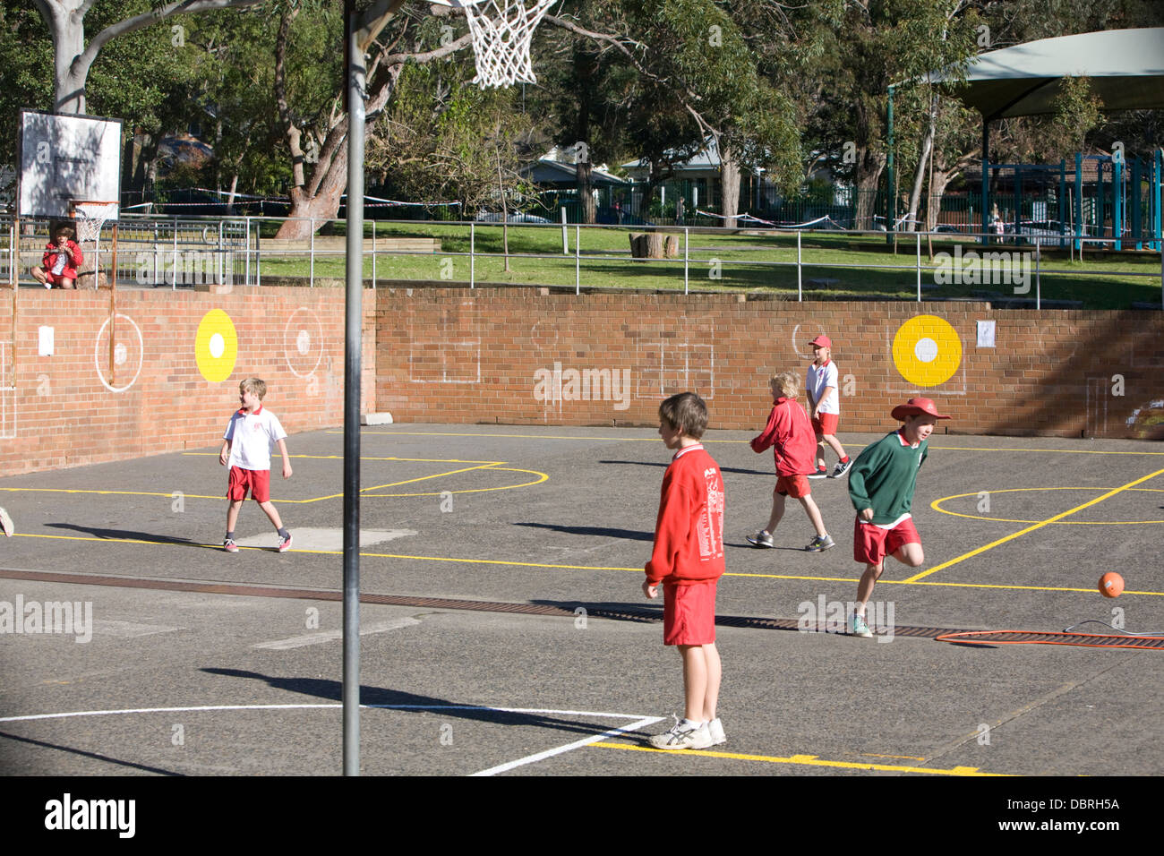 pupils at an australian primary school in sydney - Stock Image