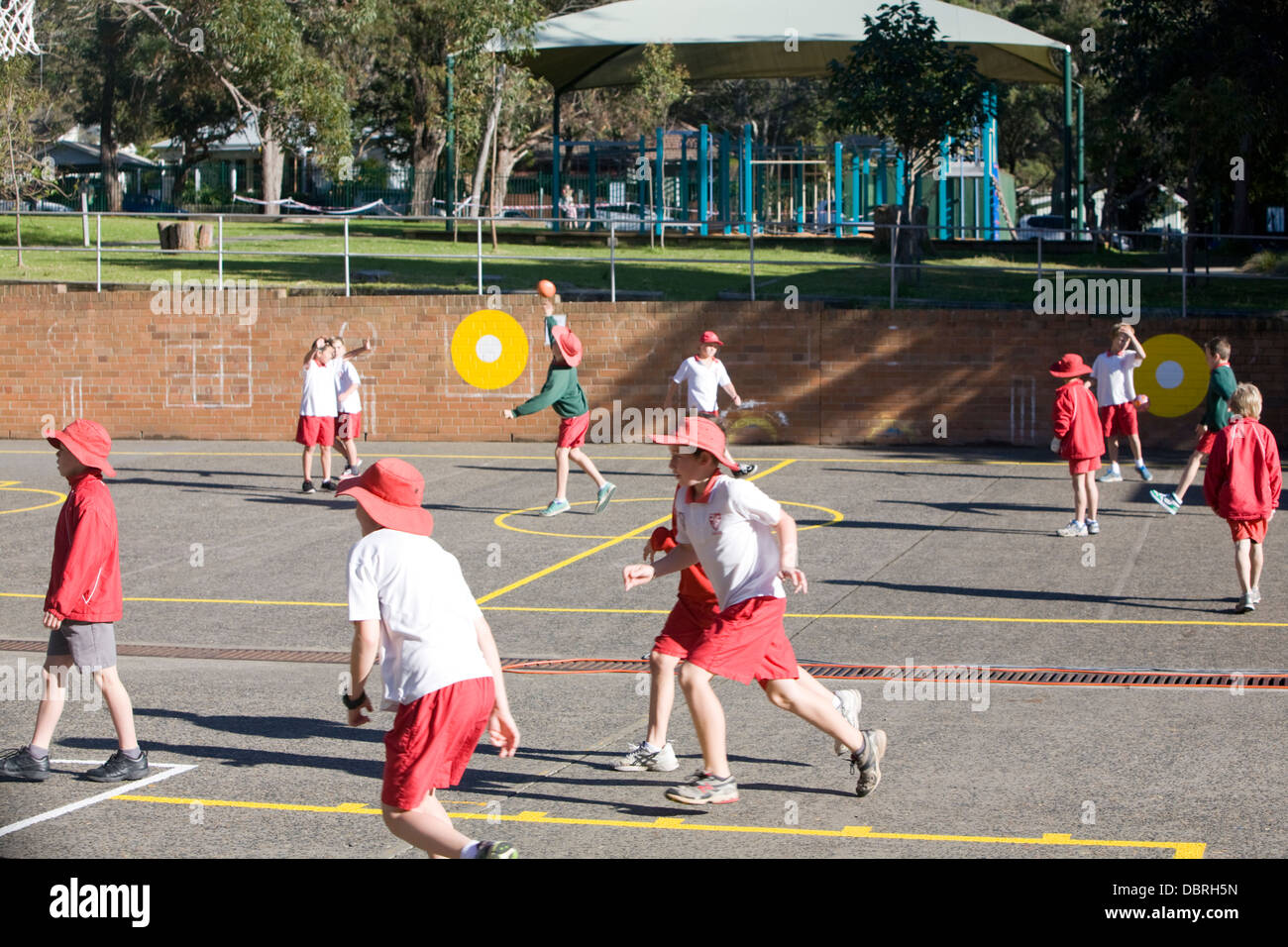 pupils at an australian primary school - Stock Image