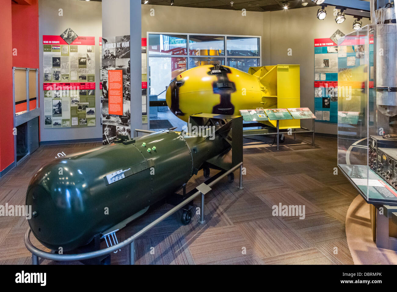 Models of atomic bombs 'Little Boy' (foreground) and 'Fat Man' (yellow), Bradbury Science Museum, - Stock Image