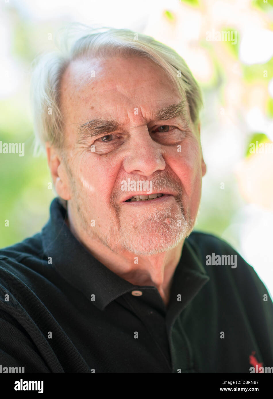 Journalist and publicist Gerd Ruge poses for photographers in Munich, Germany, 19 July 2013. Photo: MARC MUELLER - Stock Image