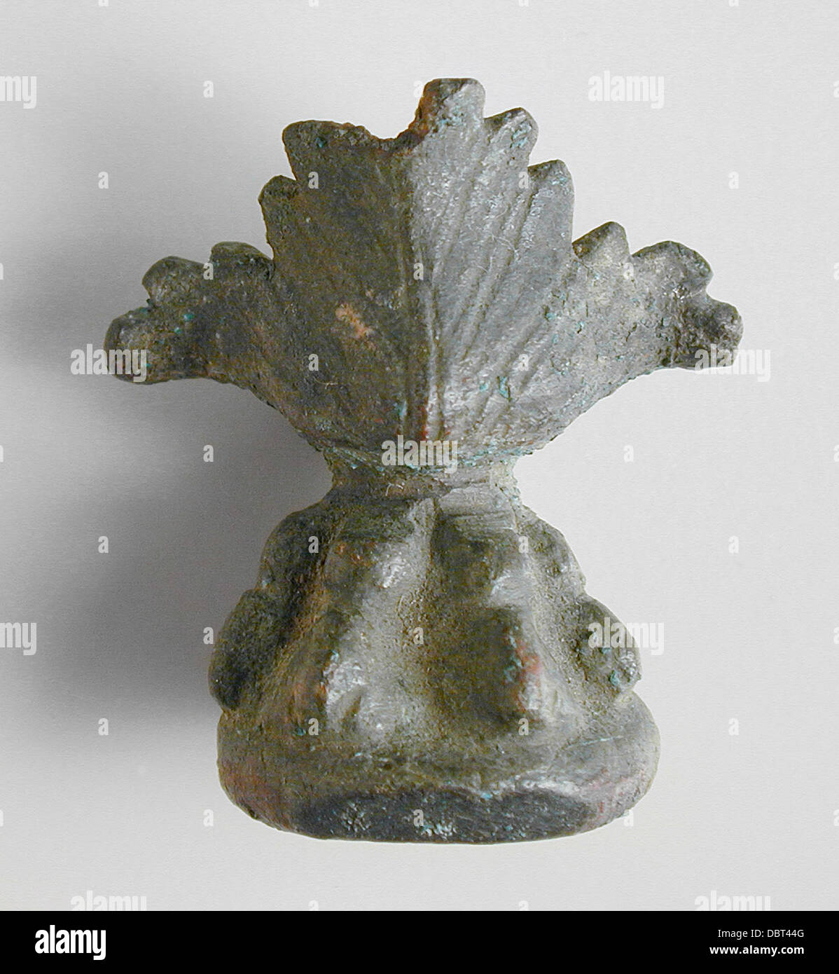 Figure of a Lion's Paw and Acanthus Leaves M.80.203.117 - Stock Image