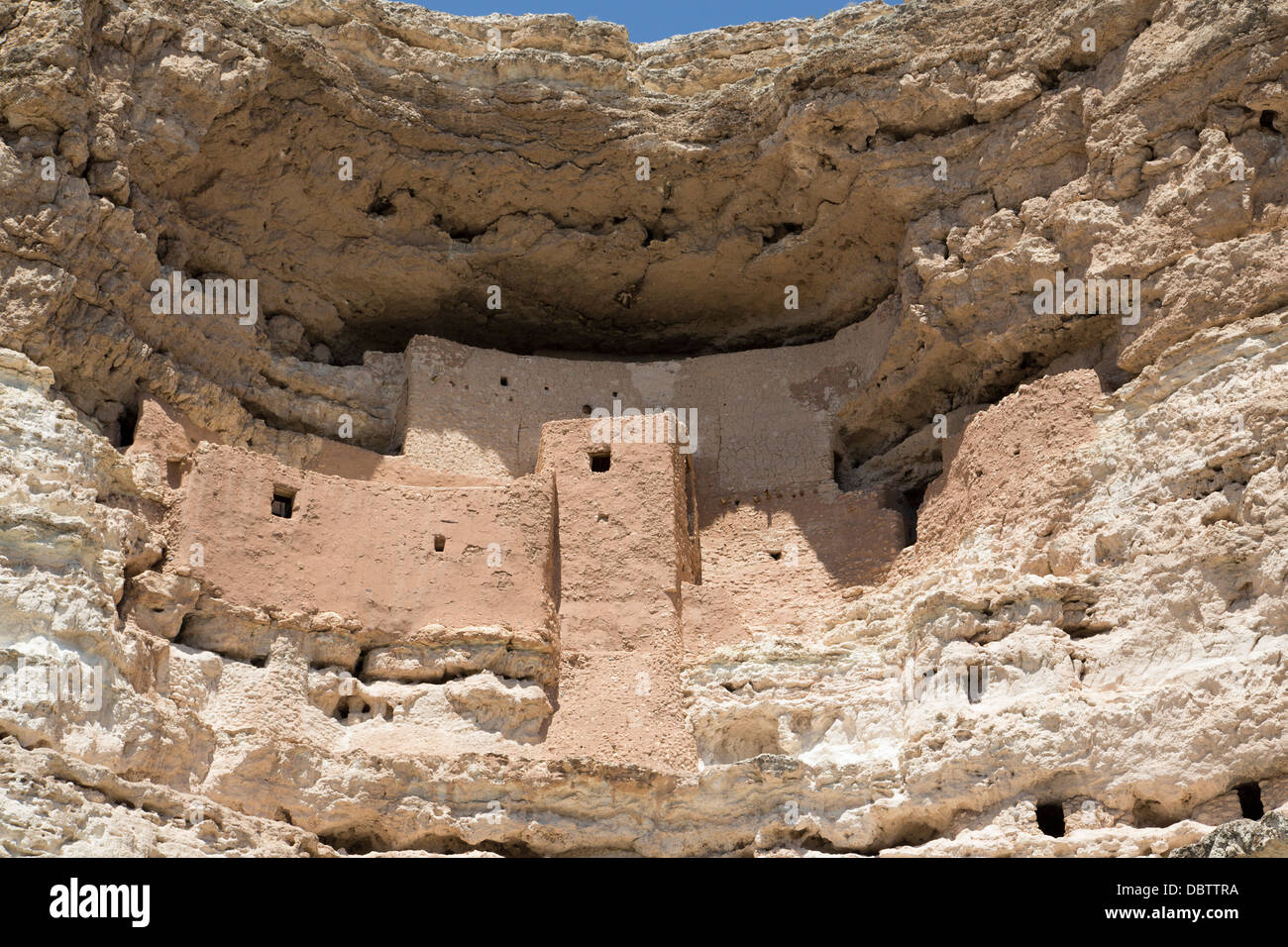 Cliff dwelling of Southern Sinagua farmers, built in the early 1100s CE, Montezuma Castle National Monument, Arizona, Stock Photo