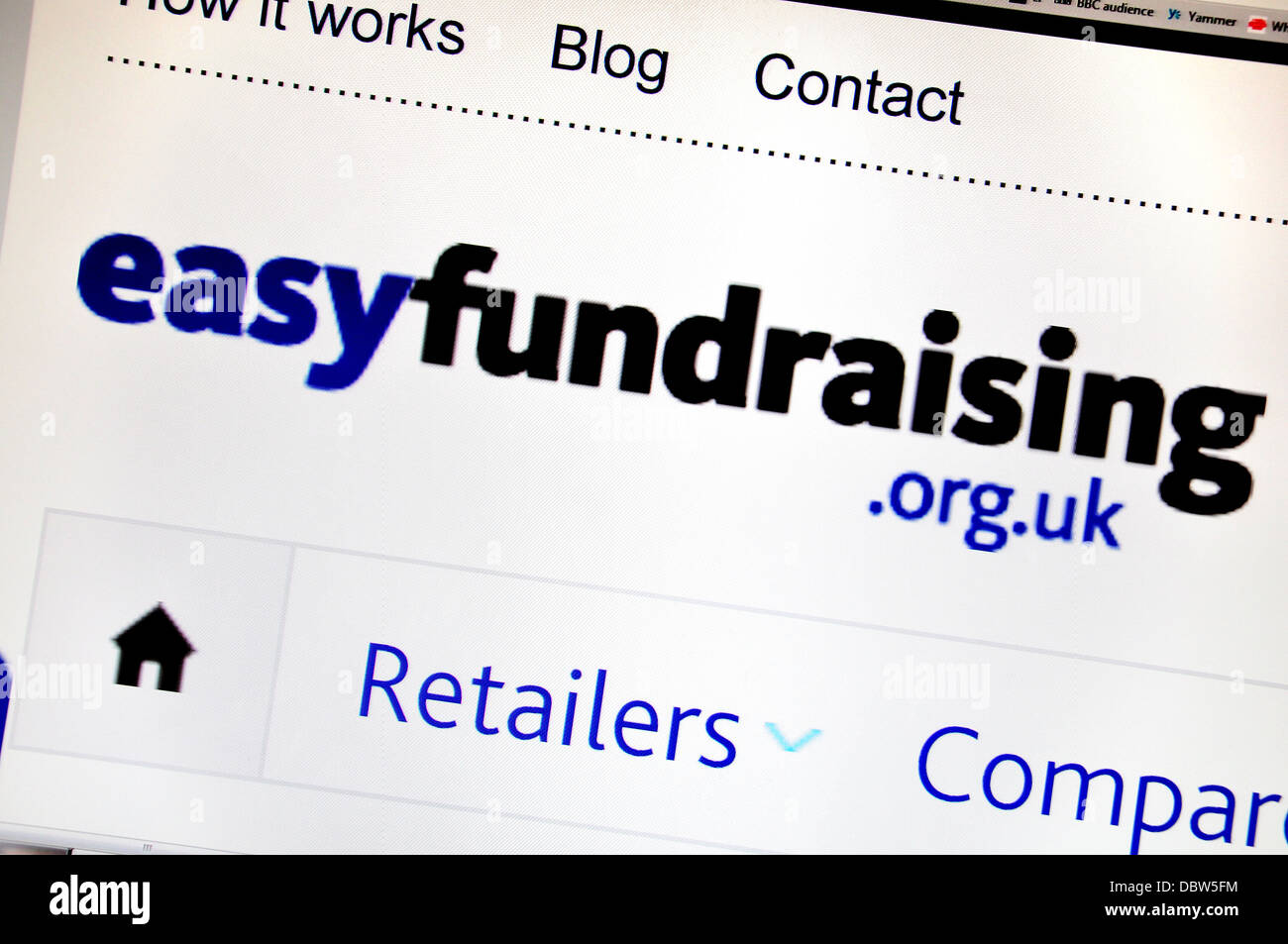 Computer screenshot - Internet. Easyfundraising.org.uk - search engine giving a percentage of online purchases to - Stock Image