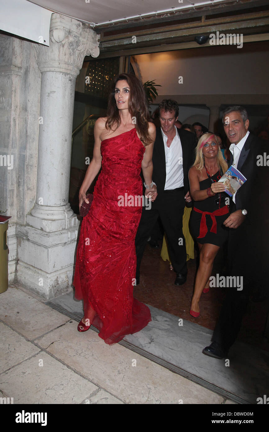 Cindy Crawford Husband Rande Gerber And George Clooney Leaving The Stock Photo Alamy