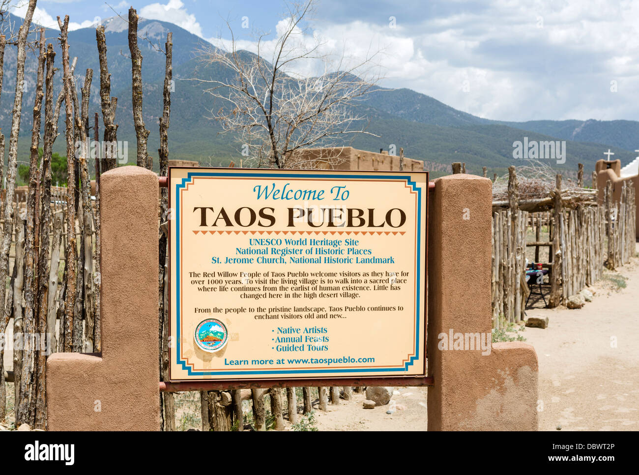 Sign at the entrance to historic Taos Pueblo, Taos, New Mexico, USA - Stock Image