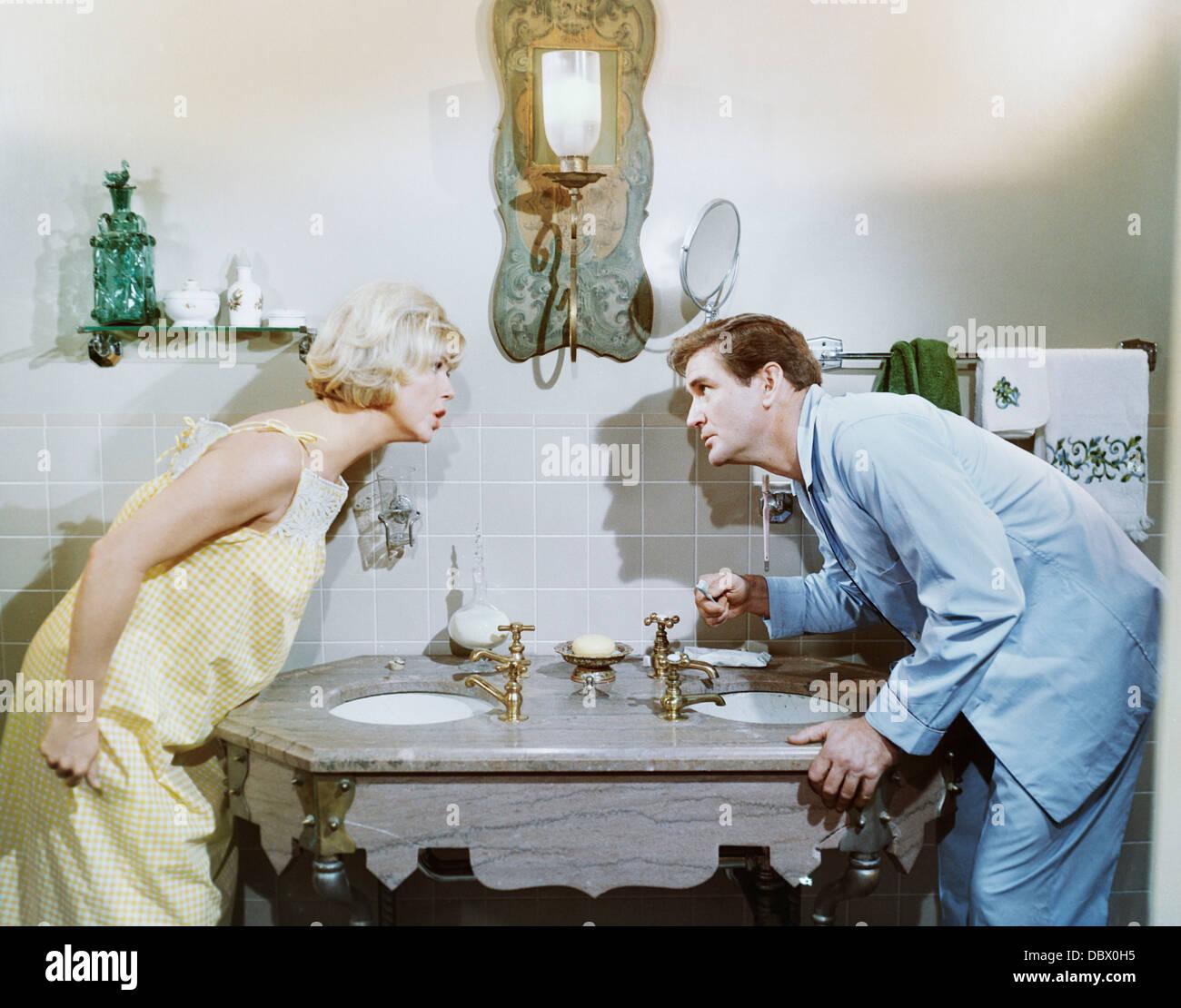 1960s 1965 ROMANTIC COMEDY DO NOT DISTURB ROD TAYLOR DORIS DAY - Stock Image