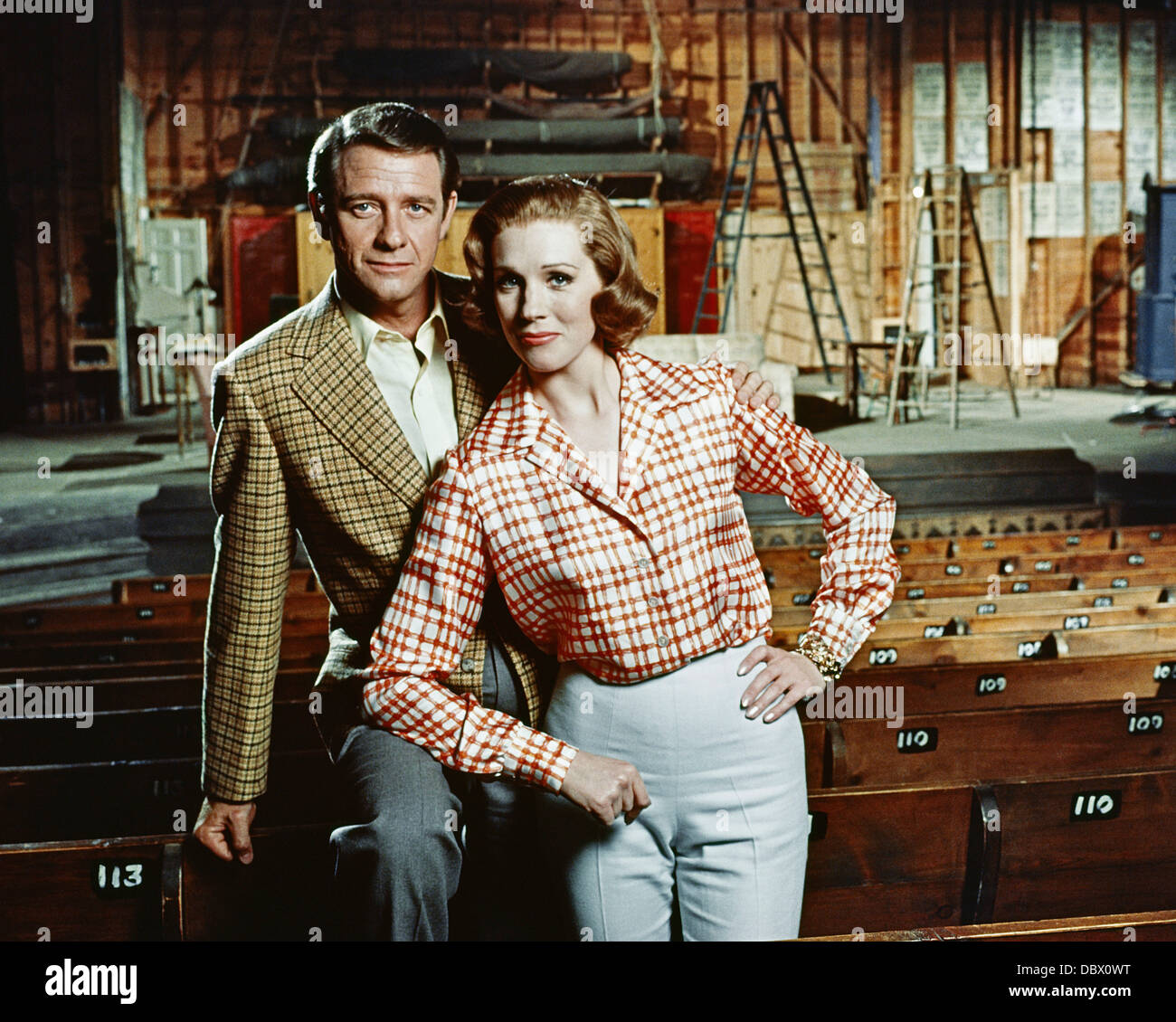 1960s 1968 STAR BIOPIC ABOUT GERTRUDE LAWRENCE JULIE ANDREWS, RICHARD CRENNA LOOKING AT CAMERA - Stock Image