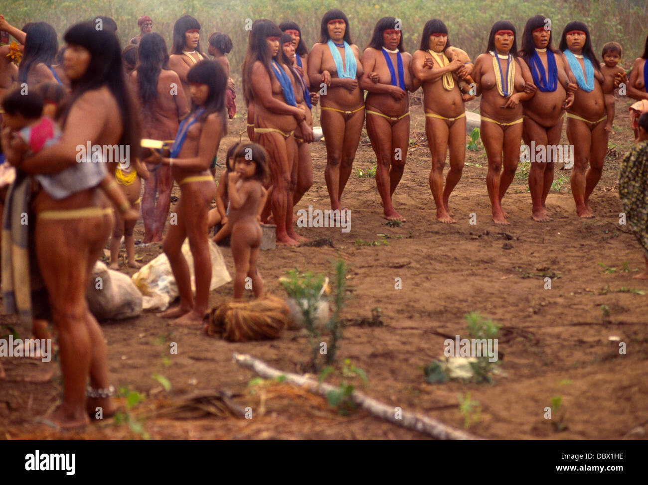 xingu women Waurá or Wauja or Uaurás Indigenous People, in the region near the Upper  Xingu River. Amazon rain forest, Brazil. Women dancing