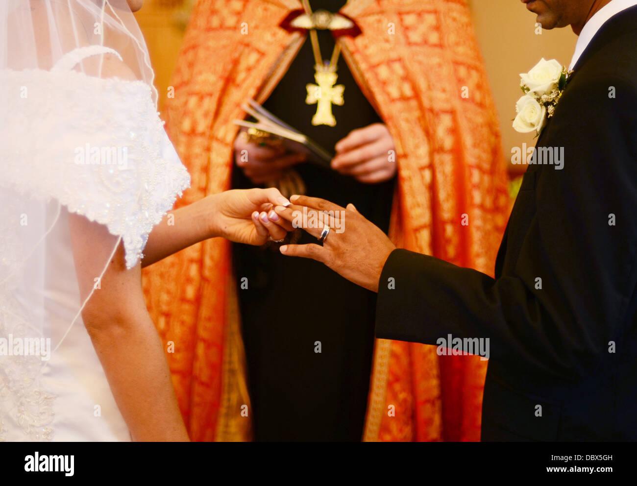 Exchange Wedding Vows Church Stock Photos Exchange Wedding