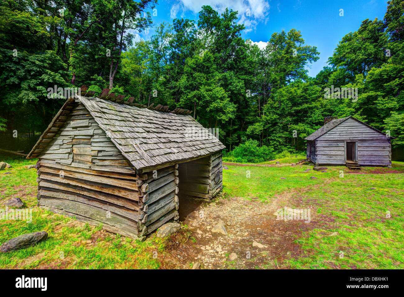Log cabins at Roaring Fork Motor Trail in Great Smoky Mountains National Forest. - Stock Image
