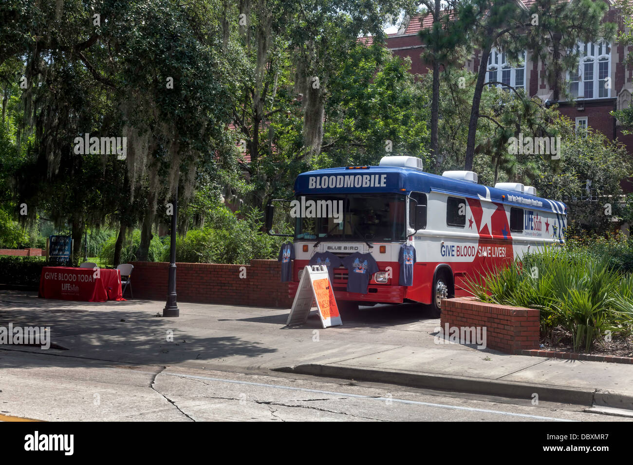 Bloodmobile on UF campus for blood drive. - Stock Image