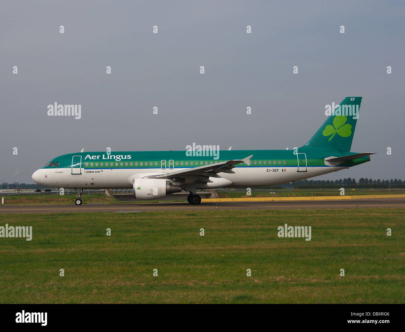 EI-DEF A320-214 Aer Lingus taxiing 13july2013 -002 - Stock Image