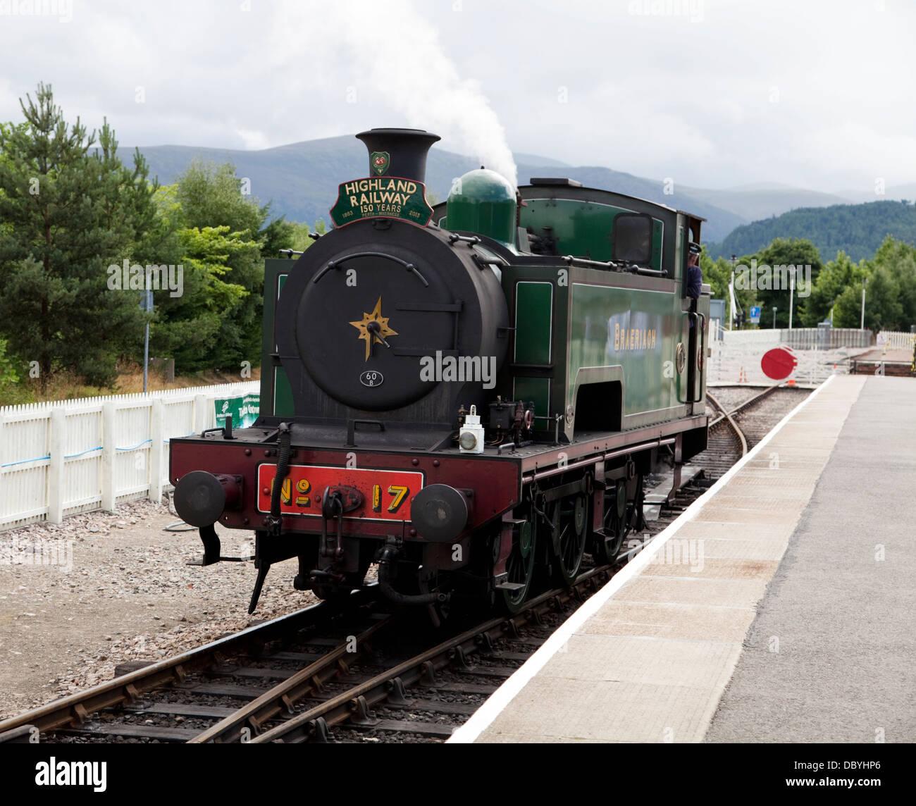 """Steam engine """"Braeriach"""" on the Strathspey Steam Line, Scotland, at Aviemore Station Stock Photo"""