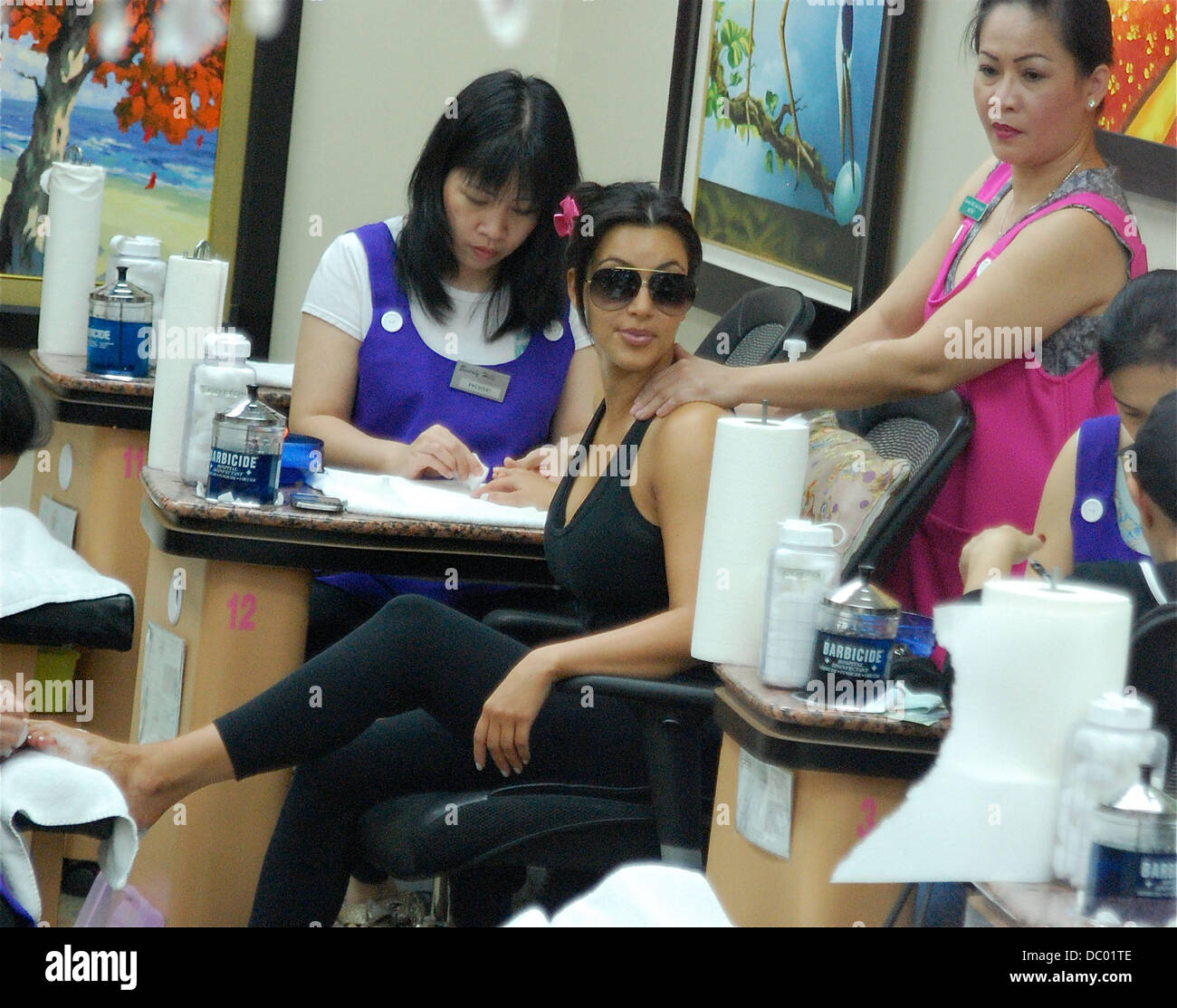 Mobile Nail Spa Los Angeles: Kim Kardashian Spotted Getting Her Nails Done At A Salon