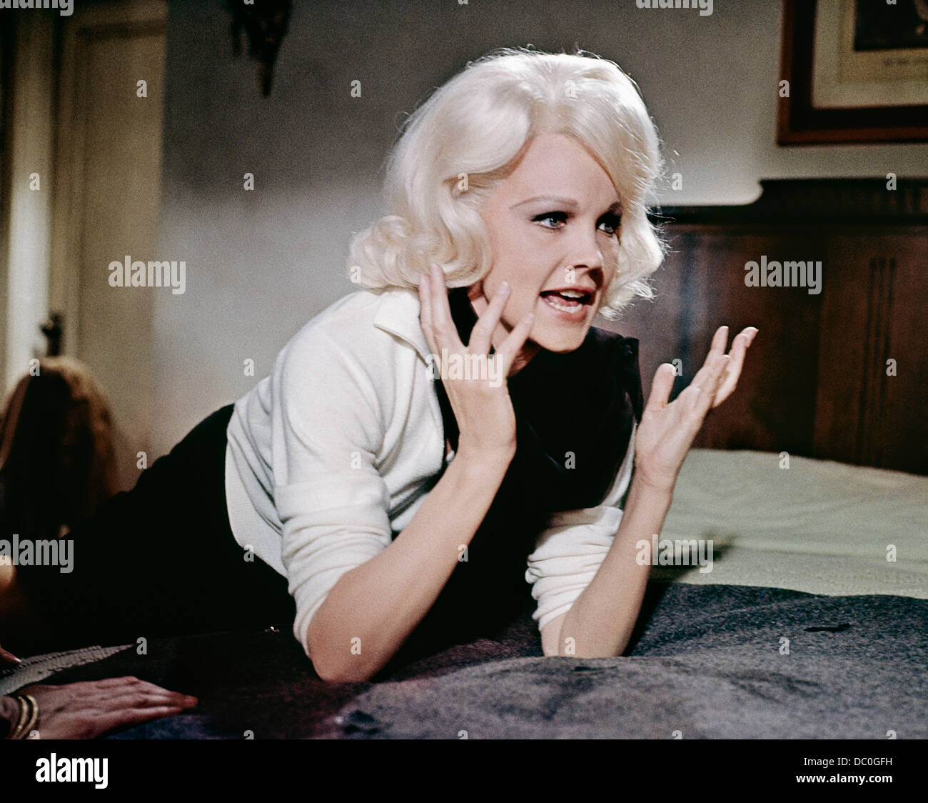1960s 1965 BIOPIC HARLOW CARROLL BAKER AS JEAN HARLOW THE 1930s ACTRESS - Stock Image