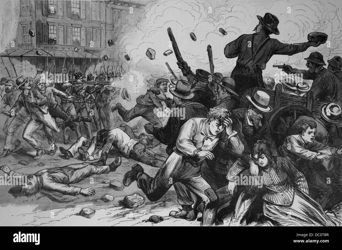 1800s 1870s GREAT RAILROAD STRIKE 1877 MARYLAND NATIONAL GUARD TROOPS FIRING ON MOB STRIKING WORKERS BALTIMORE & - Stock Image