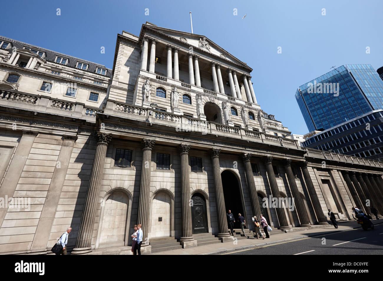 the bank of england headquarters threadneedle street london england uk - Stock Image