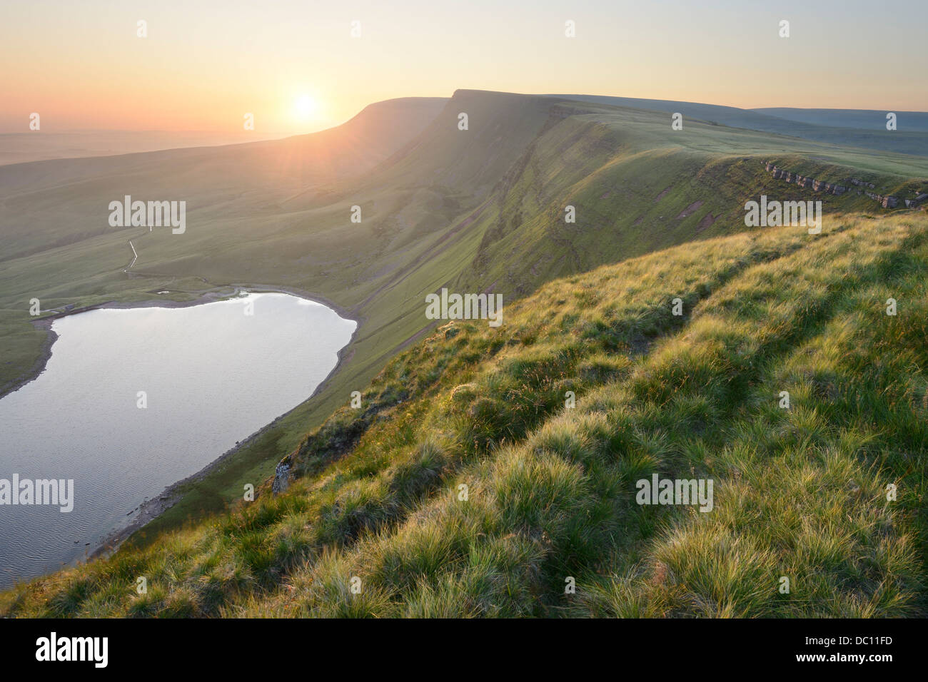 Sunrise, photographed from the peaks of the Black Mountain, on the border of Carmarthenshire and Powys, Wales, UK. - Stock Image