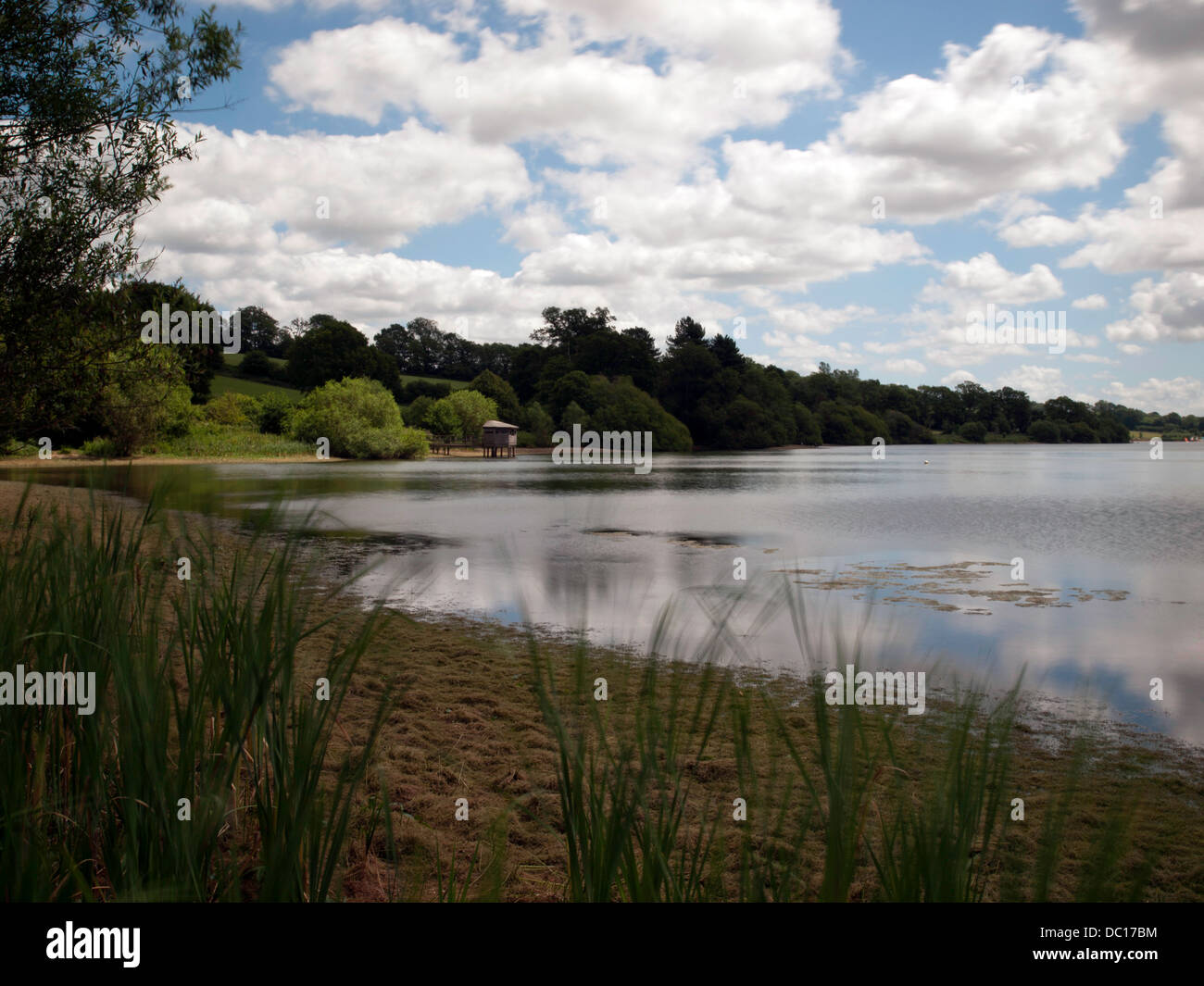 The Hide at Ardingly Reservoir, peaceful and tranquil surroundings at this countryside spot. - Stock Image