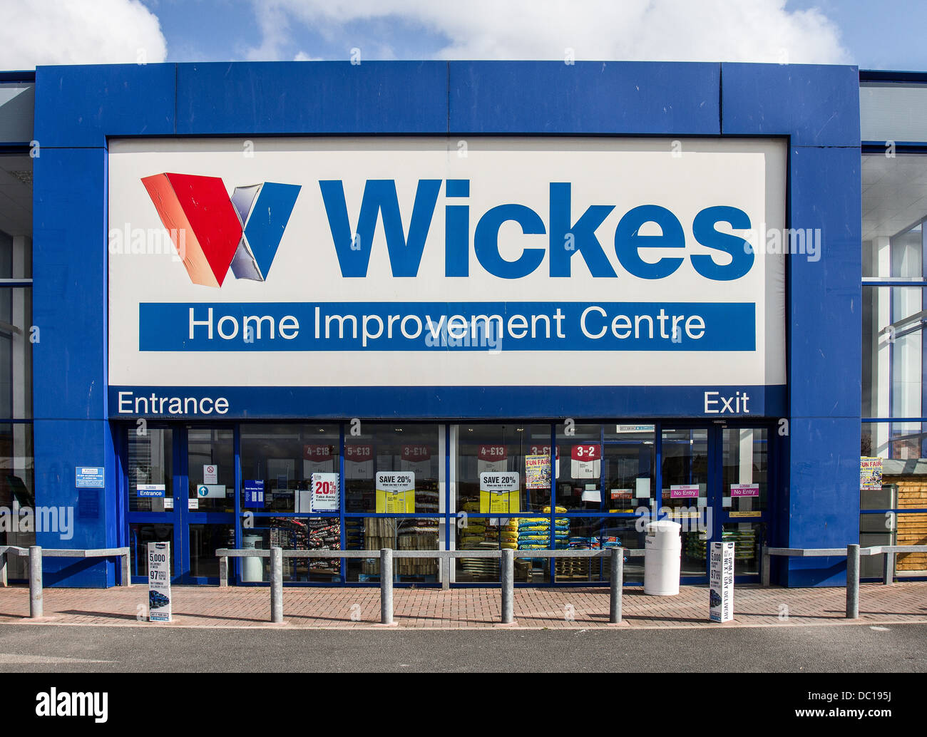 Wickes Home Improvement Centre Stock Photos & Wickes Home ...