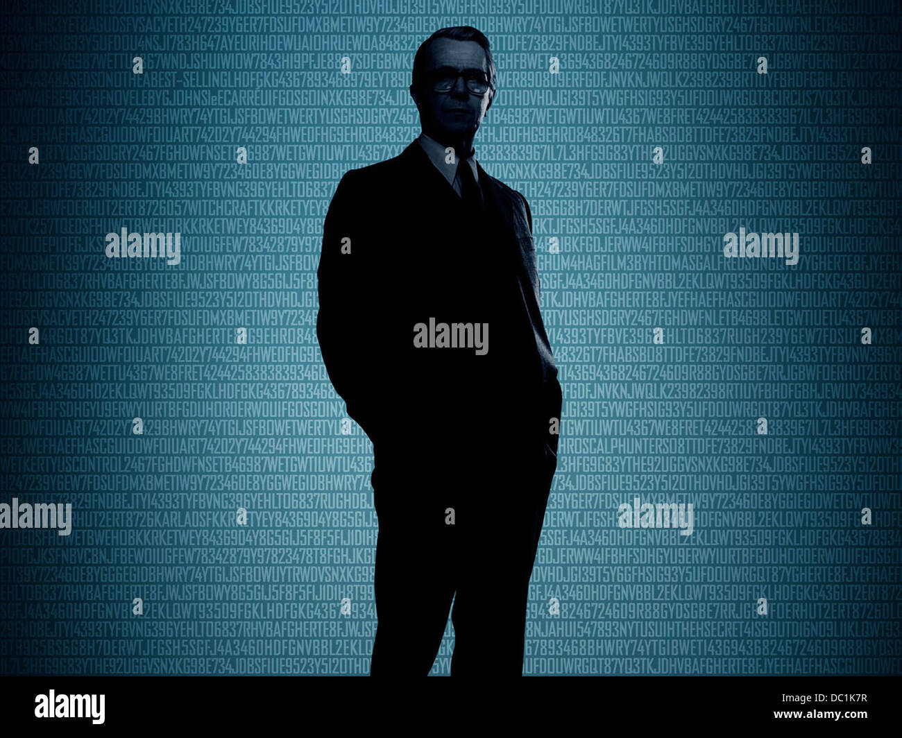 TINKER TAILOR SOLDIER SPY (2011) GARY OLDMAN TOMAS ALFREDSON (DIR) 012 MOVIESTORE COLLECTION LTD - Stock Image