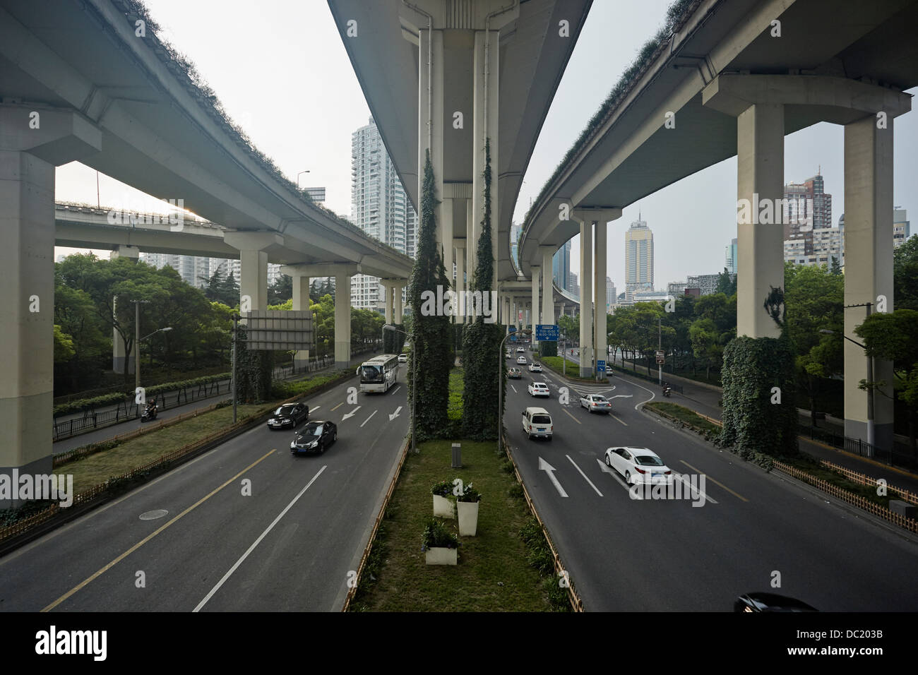 High angle view of traffic under flyover, Shanghai, China - Stock Image