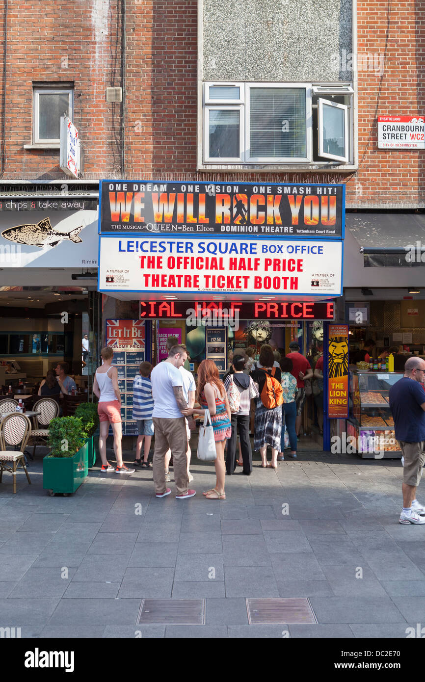 Discount theatre ticket booth, London, England - Stock Image