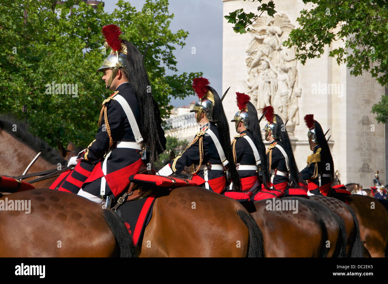 Elements of the cavalry regiment of the french 'Garde Républicaine'. In background, detail of the Arc - Stock Image