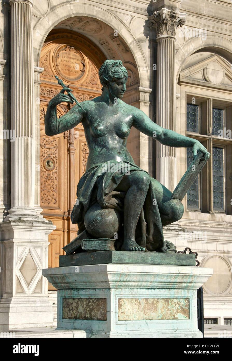 La Science, bronze by Jules Blanchard, in front of the Hôtel de Ville, Paris, France. Stock Photo