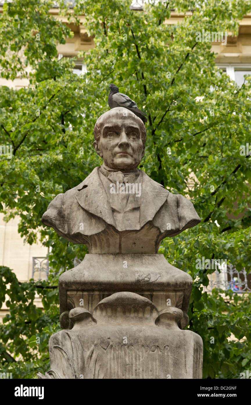 The bust, part of the monument to Auguste Comte, by Jean-Antoine Injalbert, 1902. Place de la Sorbonne, Paris. - Stock Image