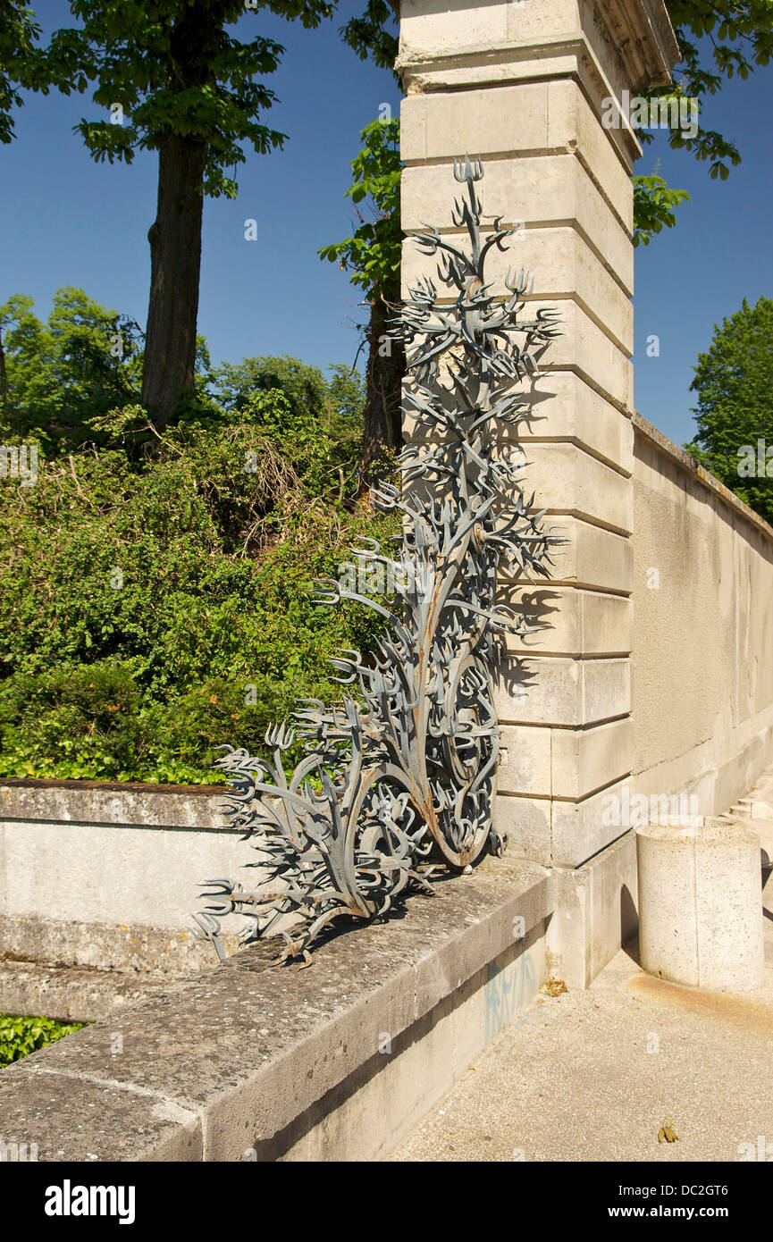 Wrought iron anti-intrusion structure, Château de Champs-sur-Marne, Seine-et-Marne, France. - Stock Image